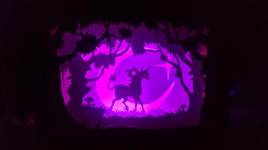 #shadowlightbox #papercut #selbstgemachteschattenlichtbox #scherenschnittlichtkasten #papierschnittlichtbox #dasletzteeinhorn #thelastunicorn