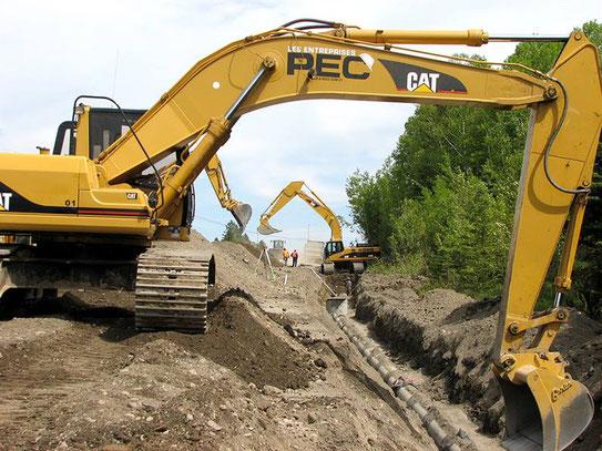 Chantier génie civil  de terrassement - extraction des terres