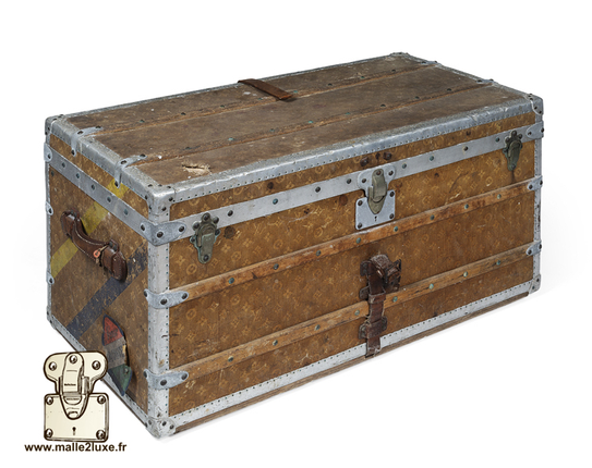 Louis Vuitton hat trunk  Year: 1898  Canvas woven monogram aluminium