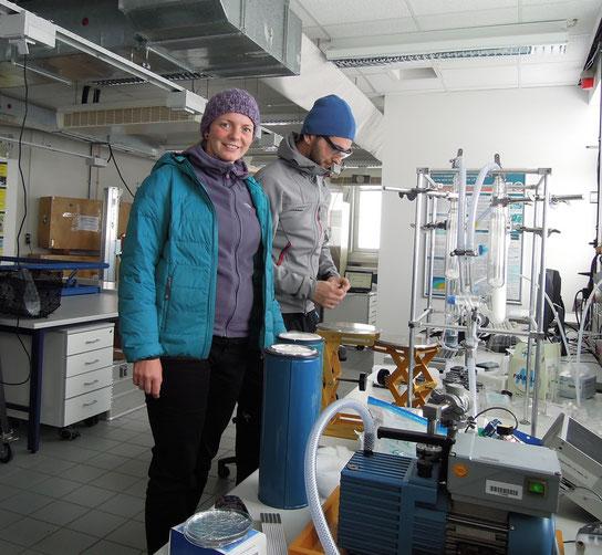 Bei den Forschern im Schneefernerhaus auf der Zugspitze: Mirella Glor (vorn). Foto: C. Schumann