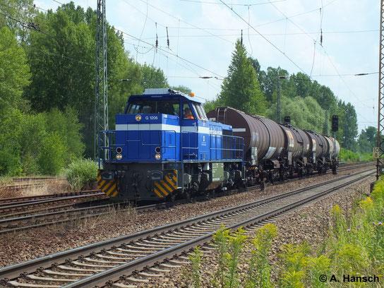 In Leipzig-Thekla kann man desöfteren InfraLeuna-Kesselzüge sehen. Bespannt sind die Züge meist mit Loks der Baureihe 275. So auch am 16. Juli 2014 als 275 010-7 (InfraLeuna Lok 207) einen solchen Zug durch Thekla zieht