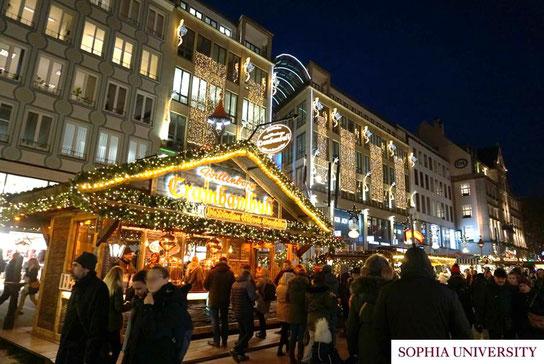 ミュンヘンのクリスマスマーケット。マリエン広場からカールス広場にかけての様子。