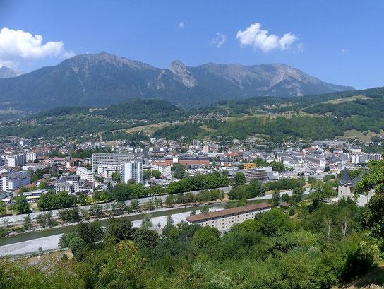 Albertville depuis le belvédère de la cité médiévale de Conflans en été (source: Florian Pépellin)