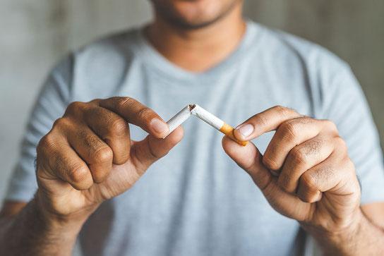 Wer mit dem Rauchen aufhört, tut auch seiner Psyche etwas Gutes