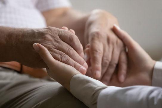 Bei Demenz Kontakte wichtiger als Antidepressiva