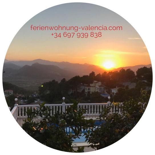 Sonnenuntergang am 04/01/2019, Blick von der Ferienwohnung Valencia über die Berge von Monterrey, Gandia, Valencia, Spain