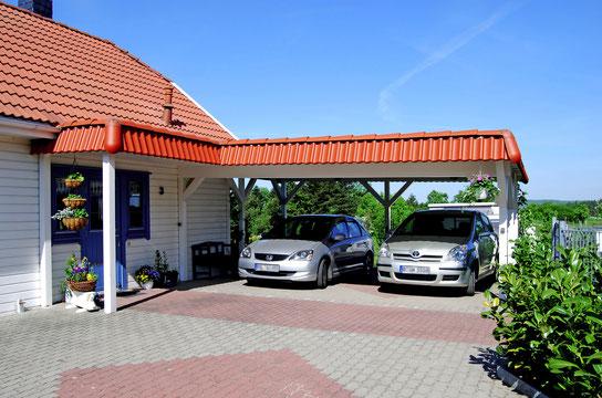 Carport mit Haustürüberdachung