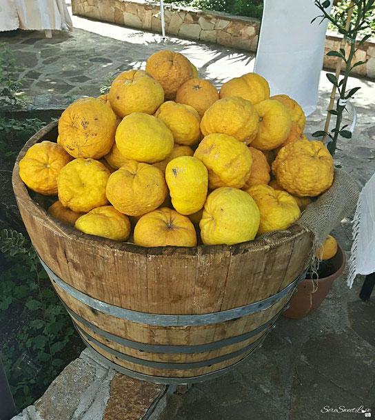 """""""SA POMPIA"""", tipico frutto di Siniscola, Cortes Apertas a Siniscola ( NU) 20/05/2018, Sardegna, Sardinia, Italy"""
