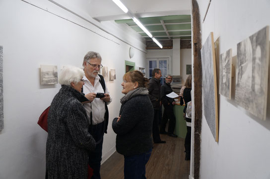 """Ausstellungsansicht von Jeong-Eun Lees Ausstellung """"Das weite Land. Erinnerungen""""  im Galerie im Schloss. © Foto:  s. Weissflog"""