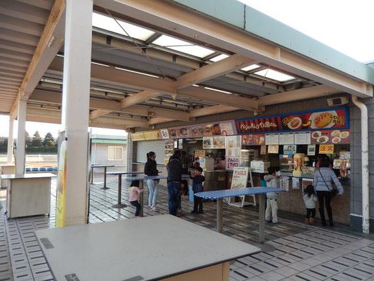 東京競馬場、グルメ特集,内馬場,馬そば,パリのオムライス屋さん
