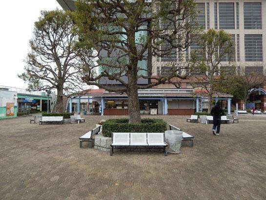 東京競馬場グルメ,日吉が丘,フードエリア