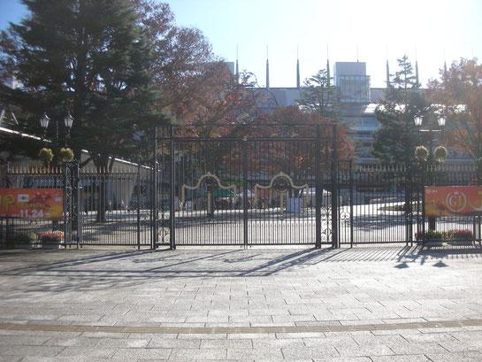 東京競馬場正門1階その2