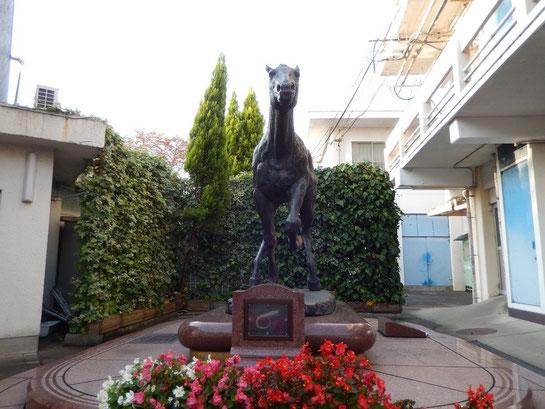 笠松競馬場 オグリキャップ像