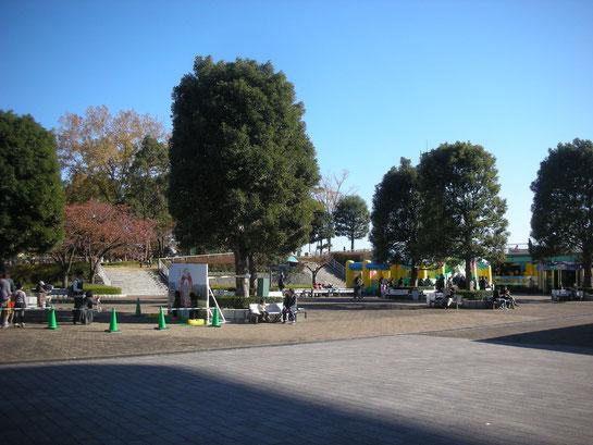 メモリアルスタンド,東門,公園