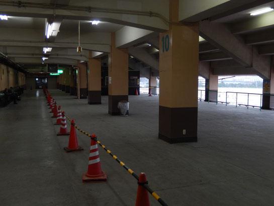 船橋競馬場3階その2