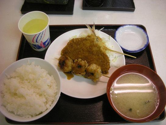 川崎競馬場,グルメ,みよし食堂,フライ定食