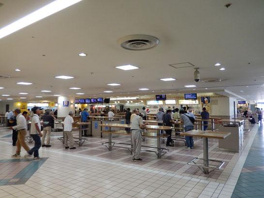 阪神競馬場 グルメ 東ウイング フードプラザ
