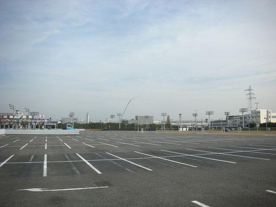 川崎競馬場,駐車場
