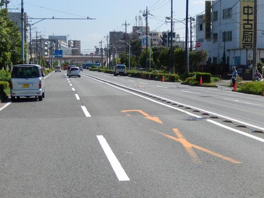 川崎競馬場 駐車場前 道路