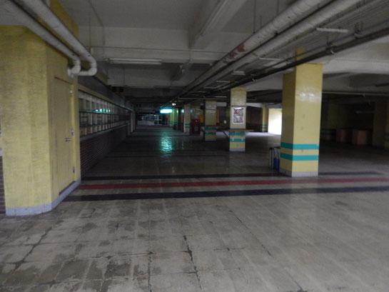船橋競馬場2階