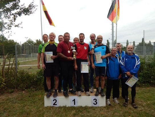 Siegerehrung zu den Teamwettkämpfen der MS 2 (auf dem Bild fehlt Michael Galuschka).
