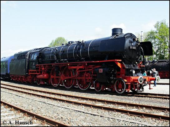Im Deutschen Dampflokmuseum Neuenmark-Wirsberg kann man unter anderem 01 1061 bewundern. Das Foto entstand zu den Pfingstdampftagen am 22. Mai 2010