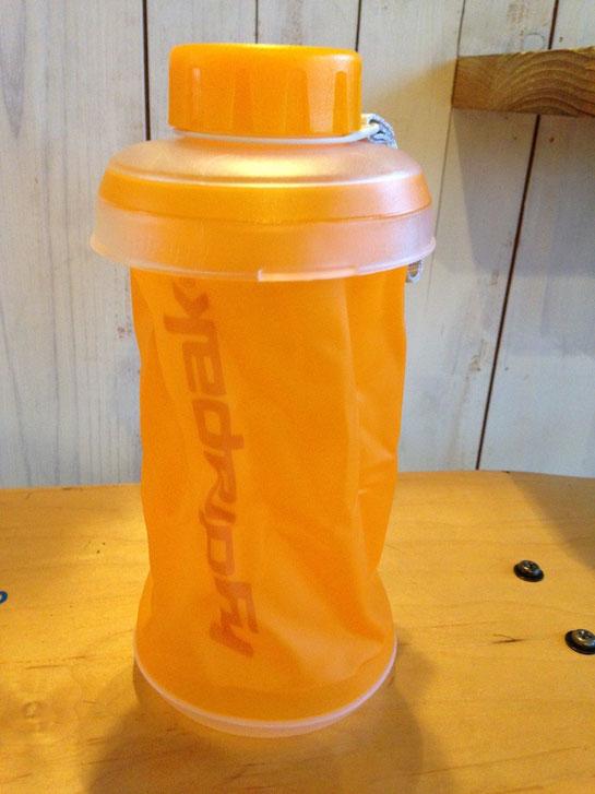 Hydrapak(ハイドラパック)STASH750 オレンジ・ブルーあり ¥3,520(税込)