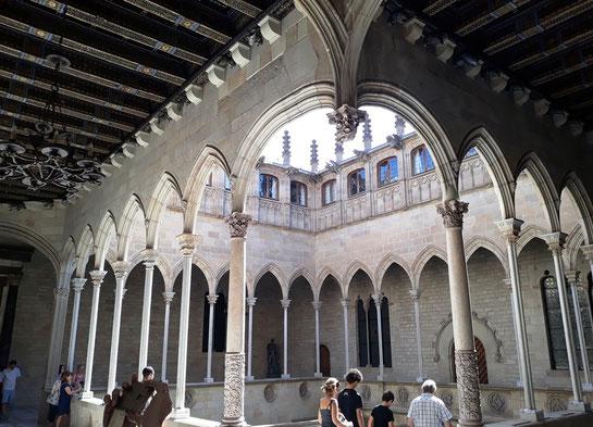 Достопримечательности Каталонии - Дворец Женералитата