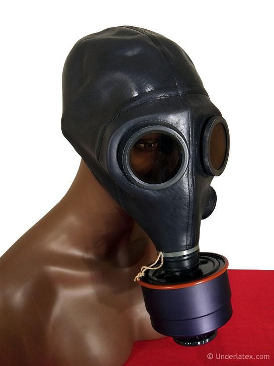 Schweizer Gasmaske Bata SM 64 mit Filter schwarz aus Gummi von vorn links