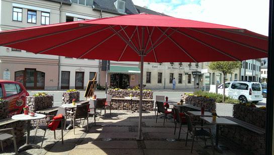 Bäckerei Weißbach Außenterrasse im Hauptgeschäft in der Antonstraße 1 - Foto: © Devant Design