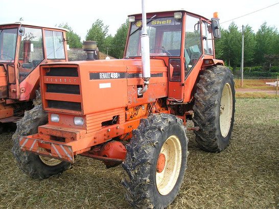 Renault 498 6-Zylinder Traktor