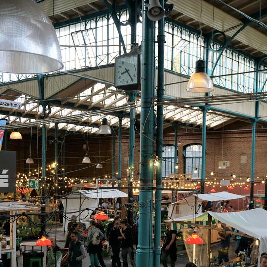 Markthalle IX Berlin/Kreuzberg - Wochenmarkt, Streetfood und Kantine in historischem Ambiente. Heißer Berlintipp!...