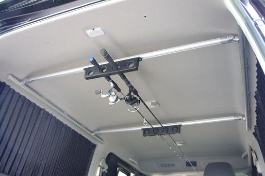 NV350キャラバン用ロッドホルダーです。