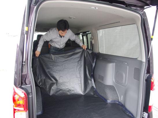 ハイエース用の防水ラゲッジマットです。立体型なので、防汚に最適です