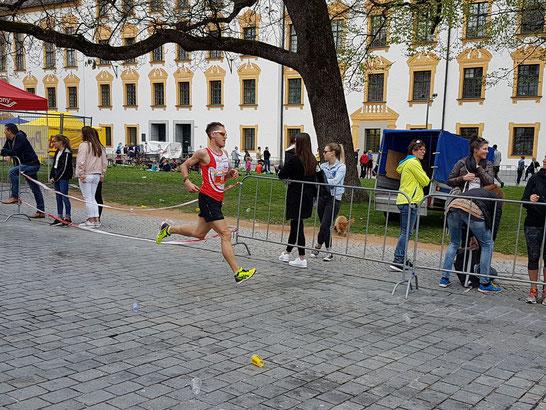 Steffen läuft beim Halbmarathon in Kempten auf den 10. Gesamtrang in 01:14:55 Std. (Foto: Hamberger R.)