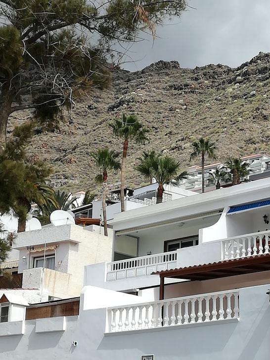 Casas de La Angostura, Lotavia / Vista de las casas de Bajamar, Tenerife.