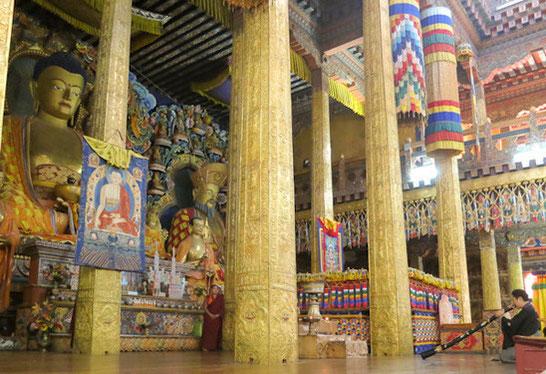 薬師寺仏跡巡礼-ブータン-プナカゾン法要にて