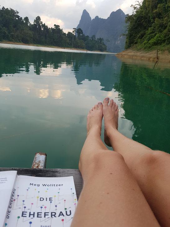 Lesen und die Ruhe genießen. Was man eben so macht ohne Smartphone.