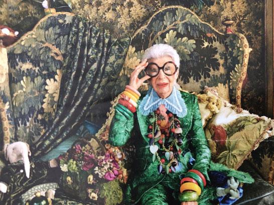 Iris Apfel nella sua abitazione