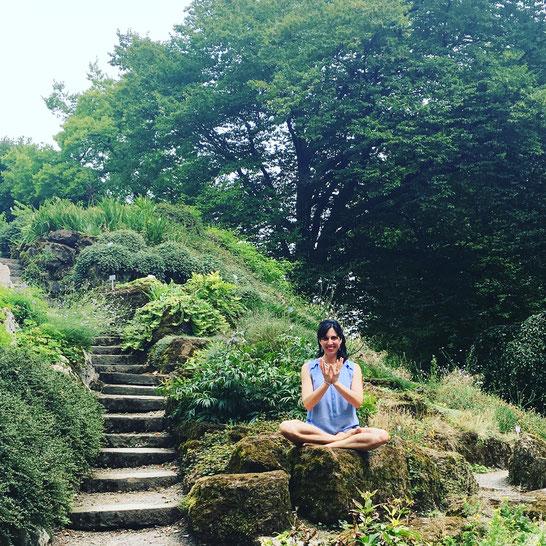 Meditation im Botanischen Garten: Mama Yoga Blog MOMazing City Guide Wuppertal - Tipps für Städtetrip und Reisen mit Kind.