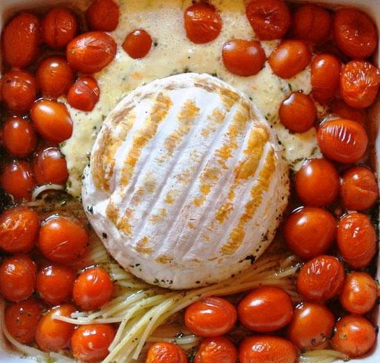 Schnelle Pasta aus dem Ofen mit Ofenkäse oder Feta