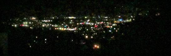 境内からの夜景、上田市の灯りです