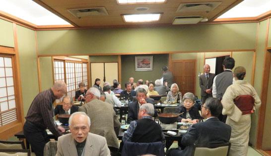 宴も酣であったが、今村相談役の 伊予古謡「伊予の湯桁」で会はめでたくお開きとなった。