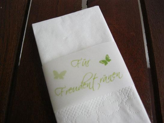 Freudentränen-Taschentücher und Banderolen