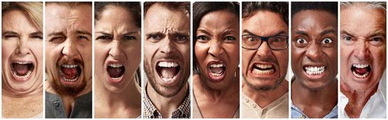 wütende Menschen, Frauen schreien, Männer schreien, Wut und Hass im Gesicht