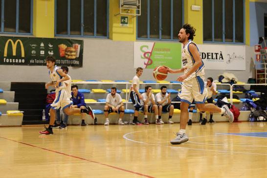 Alberto Mondino in azione - Per lui tripla doppia sfiorata (19 punti, 11 rimbalzi, 8 falli subiti) - Guido Fissolo ph.