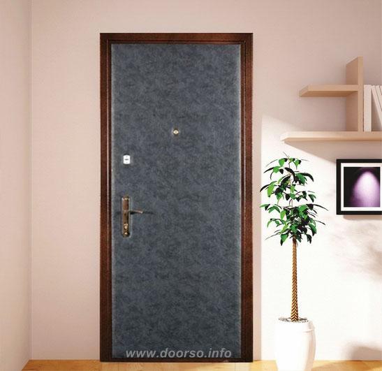 Простые дешевые металлические двери.