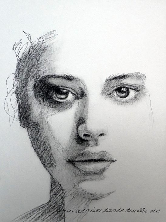 Kohlezeichnung Portrait von Conni Altmann