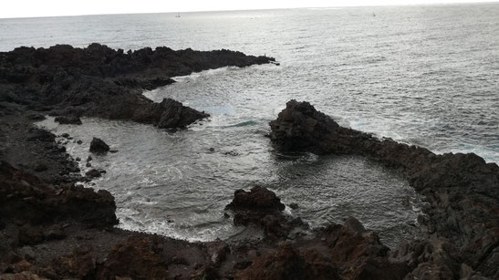 Charcas en Puerto Cabirria / Costa del Malpaís del Punta de la Raja.