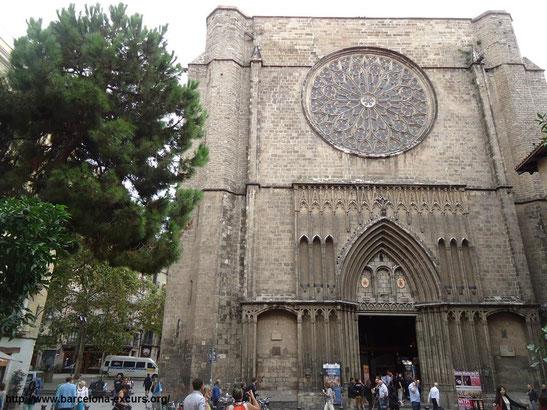 Витраж базилики дель Пи в Барселоне